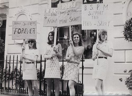 La minifalda: Más que una prenda femenina