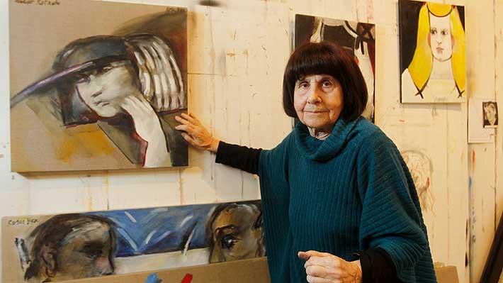 «La pre-muerte es la doble circunstancia de mi vida que resuena»: A los 89 años muere Roser Bru, destacada artista española-chilena