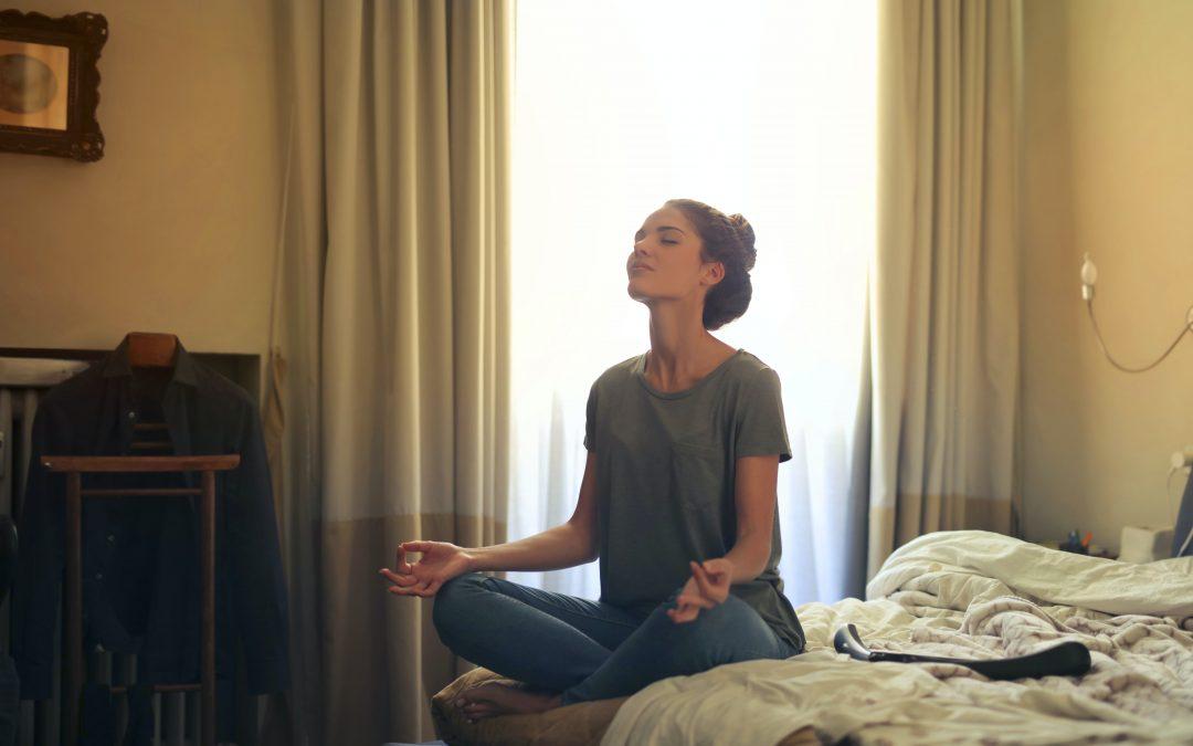 Calmando la mente con yoga: Las claves de la disciplina para trabajar el estrés